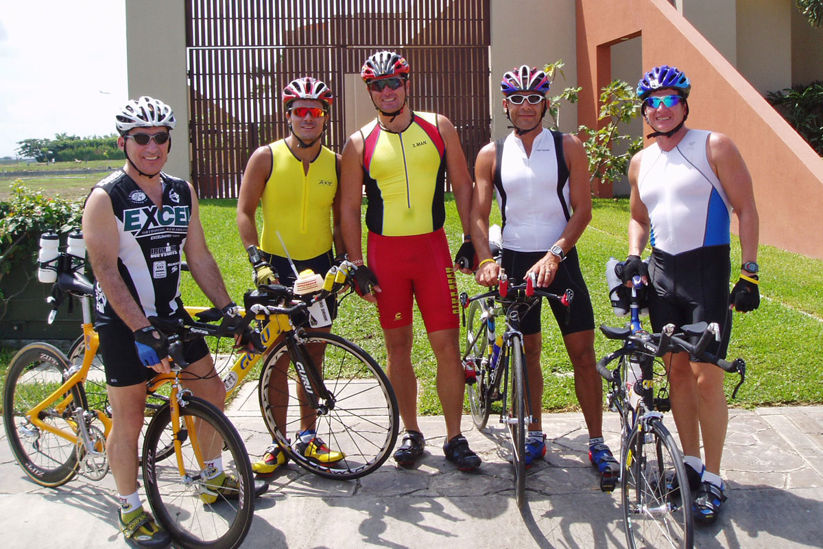 Triathelete Men Cyclists