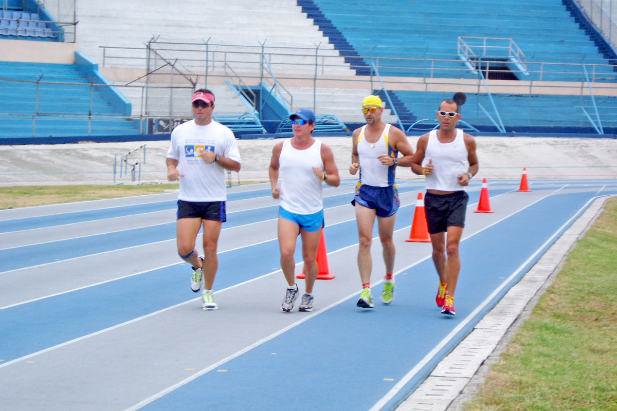 Triathelete Men Track Running